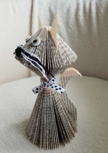 Pliage de papier avec noueux pour la dame